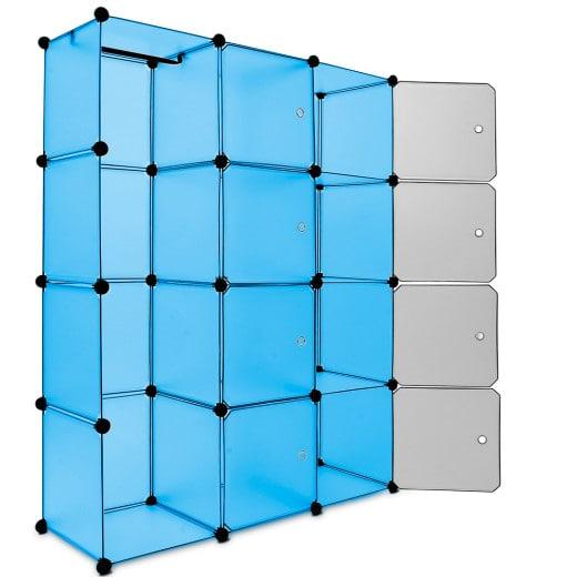 Regal aus Kunststoffboxen blau
